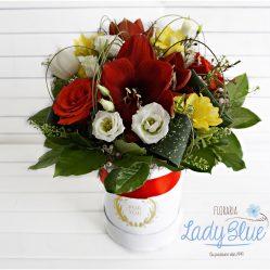 Aranjament floral in cutie AF16