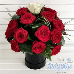 Aranjament floral din trandafiri AF94