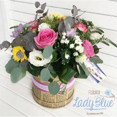 Aranjament floral in cutie AF103