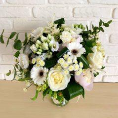 Buchet cu flori albe B57