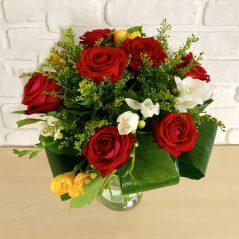 Buchet trandafiri si frezii B48