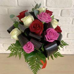 Buchet trandafiri multicolori B11