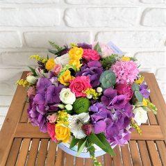 Cutie cu flori mov si roz