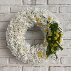 Coronita funerara cu flori albe C234