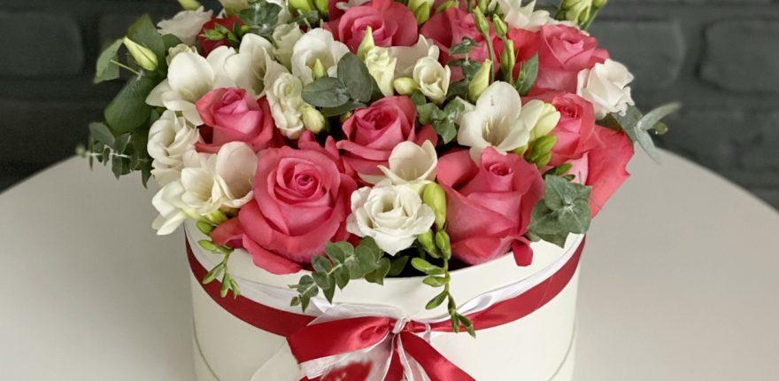 Flori de primăvară pentru cele mai dragi femei