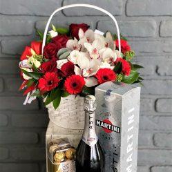 Flori, sampanie si bomboane
