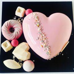 Tort Inima cu decor – Roz