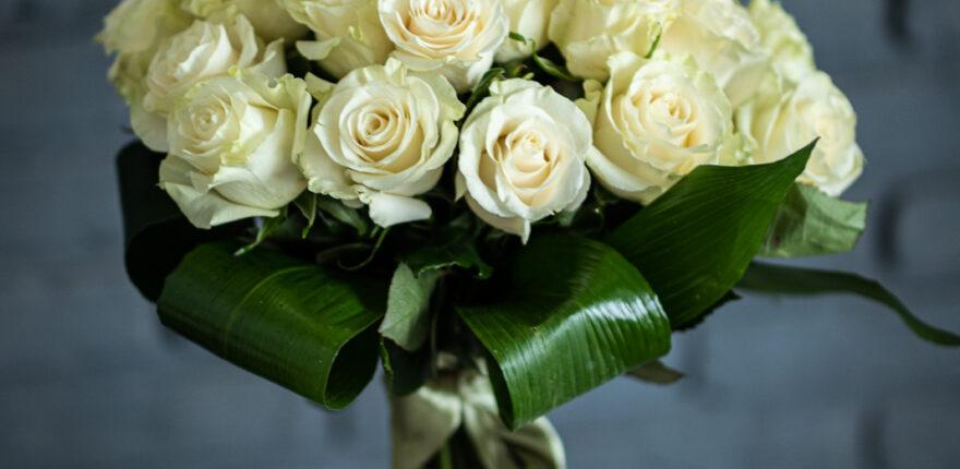 Buchete de trandafiri. Comandă online sau vino la florărie